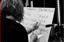 kingdom-s-girl-a-la-conference-de-presse-et-tournage-de-pole-position-063